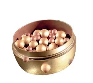 Zlaté rozjasňující perly na tvář